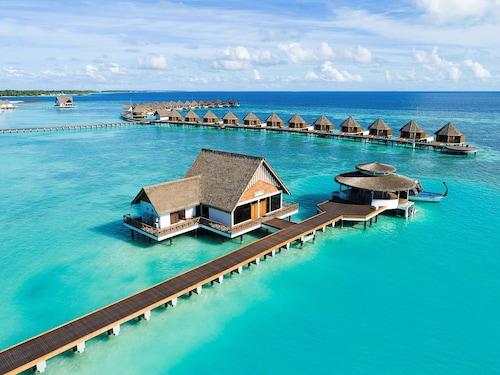 . Mercure Maldives Kooddoo Resort