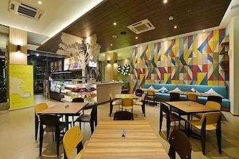 POP Hotel Pasar Baru - Restaurant  - #0