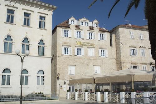 . XII Century Heritage Hotel