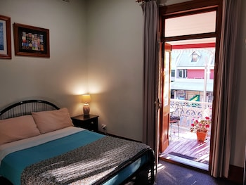 Room With Share Facilities (Max 4 pax)