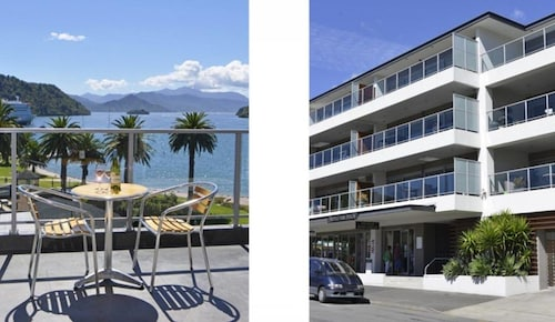 . Luxury Waterfront Apartments Picton