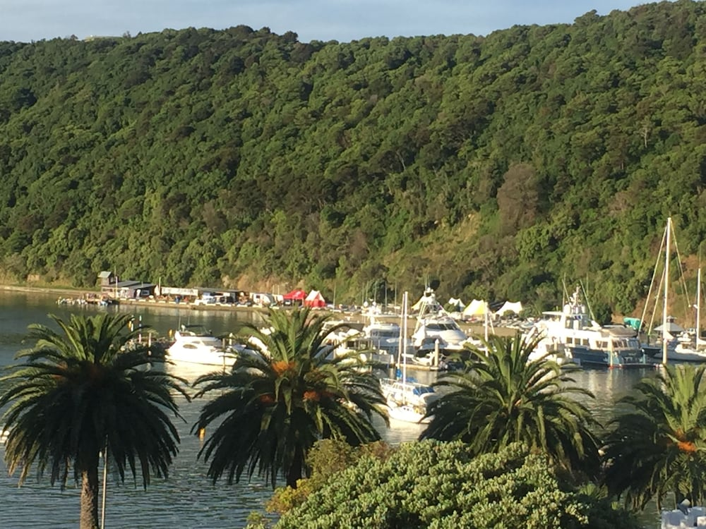 Luxury Waterfront Apartments Picton