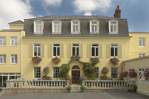 . Les Rocquettes Hotel