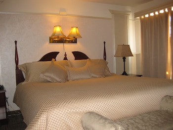 Superior Room, 1 King Bed