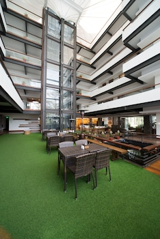 SIERRA PINES BAGUIO Hotel Interior