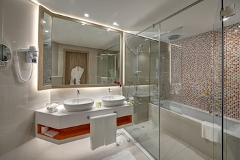 Al Khoory Atrium Hotel - Bathroom  - #0