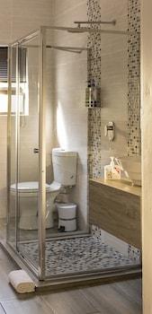 Aerotropolis Guest Lodge - Bathroom  - #0