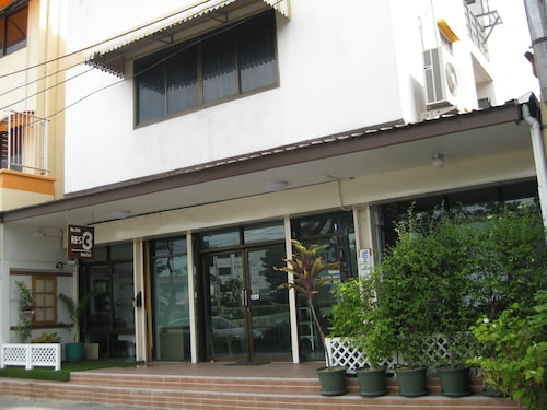 Rest 3 - Hostel, Yannawa