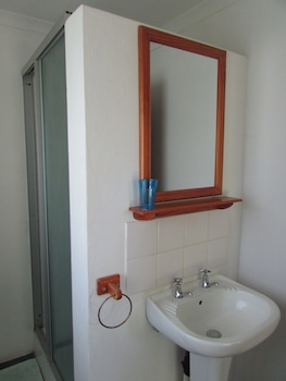 Absolute Leisure Cottages - Bathroom  - #0