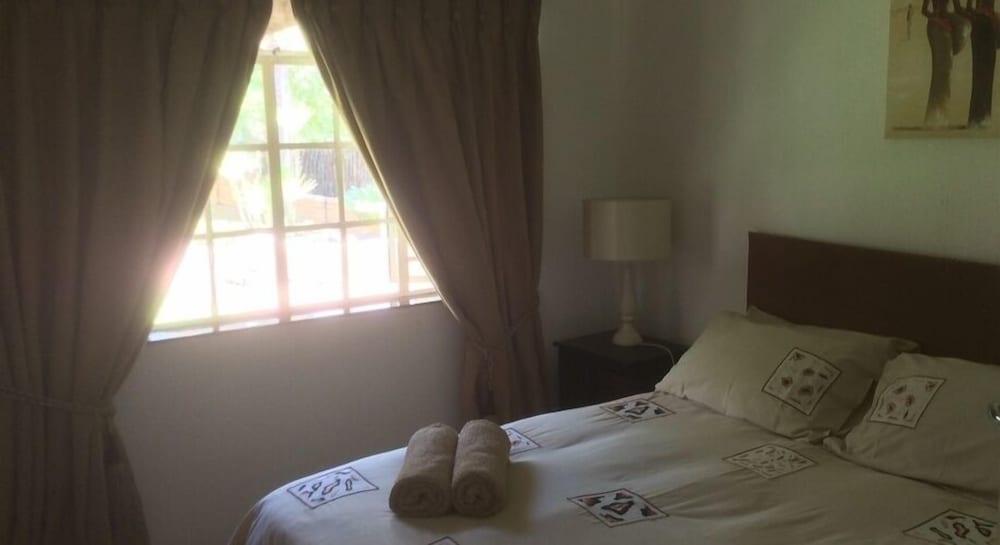 https://i.travelapi.com/hotels/16000000/15480000/15478000/15477923/5afc746f_z.jpg