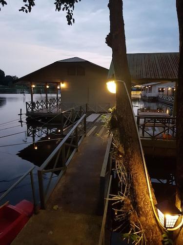 Sugar Cane Guest House 1, Muang Kanchanaburi