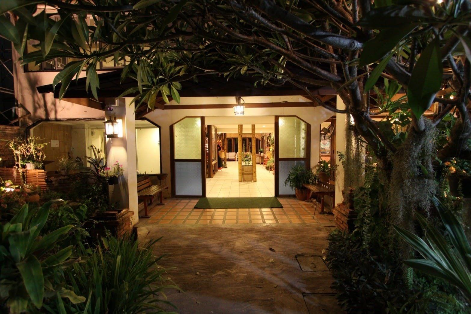 Phumanee Lahu Home Hotel, Fang