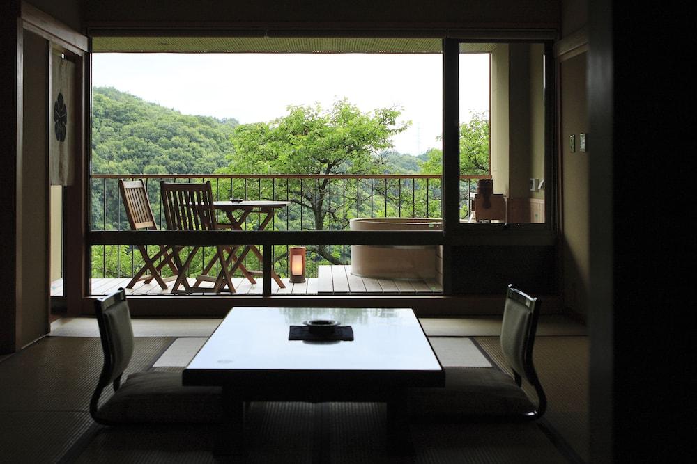 Kakimotoya, Sangō