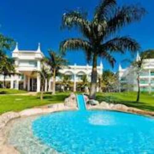 . Mavsa Resort Convention & SPA