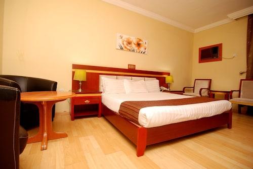 Hotel Rosebud, AbujaMun