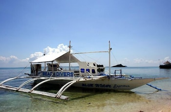 MALAPASCUA BEACH AND DIVE RESORT Boating