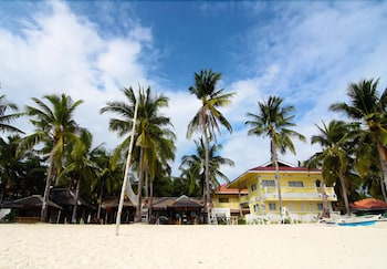 MALAPASCUA BEACH AND DIVE RESORT