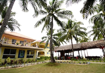 MALAPASCUA BEACH AND DIVE RESORT Property Grounds