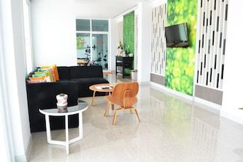 Zada Residence - Lobby Sitting Area  - #0