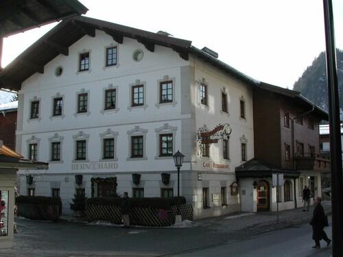 . Hotel Bernhard am See