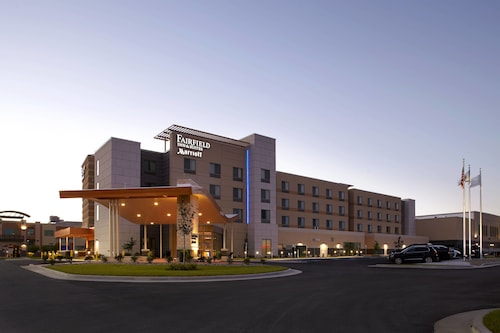. Fairfield by Marriott Inn & Suites Wheeling at The Highlands