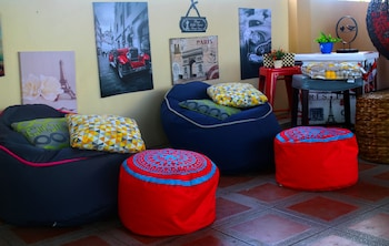 THE STOPOVER HOSTEL MACTAN Featured Image