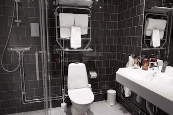 Forenom Aparthotel Stockholm Kista - Bathroom  - #0