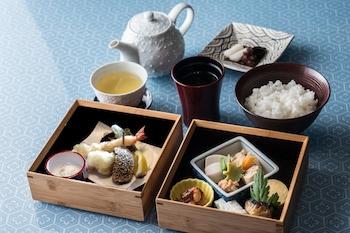 VILLA SANJO MUROMACHI KYOTO Breakfast Meal