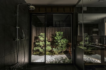 VILLA SANJO MUROMACHI KYOTO Bathroom Shower