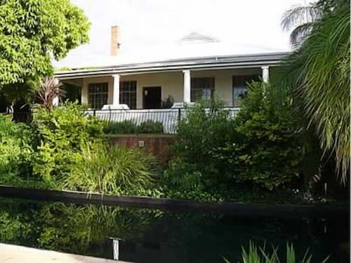 . Bain s House