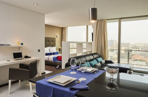 . RK Suite Hotel