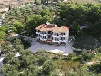 Almyros Studios & Apartments - Featured Image  - #0