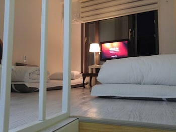 Myeongdong Artmonstay Guesthouse - Guestroom  - #0