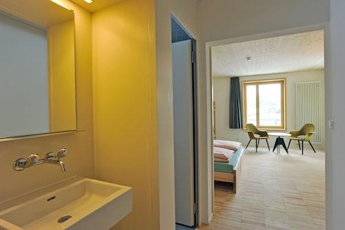 Youth Hostel St. Moritz, Maloja