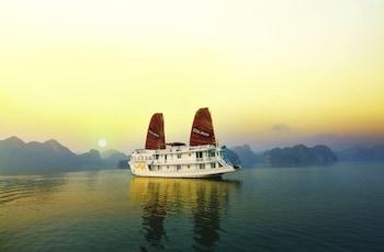 羅薩下龍灣遊輪飯店