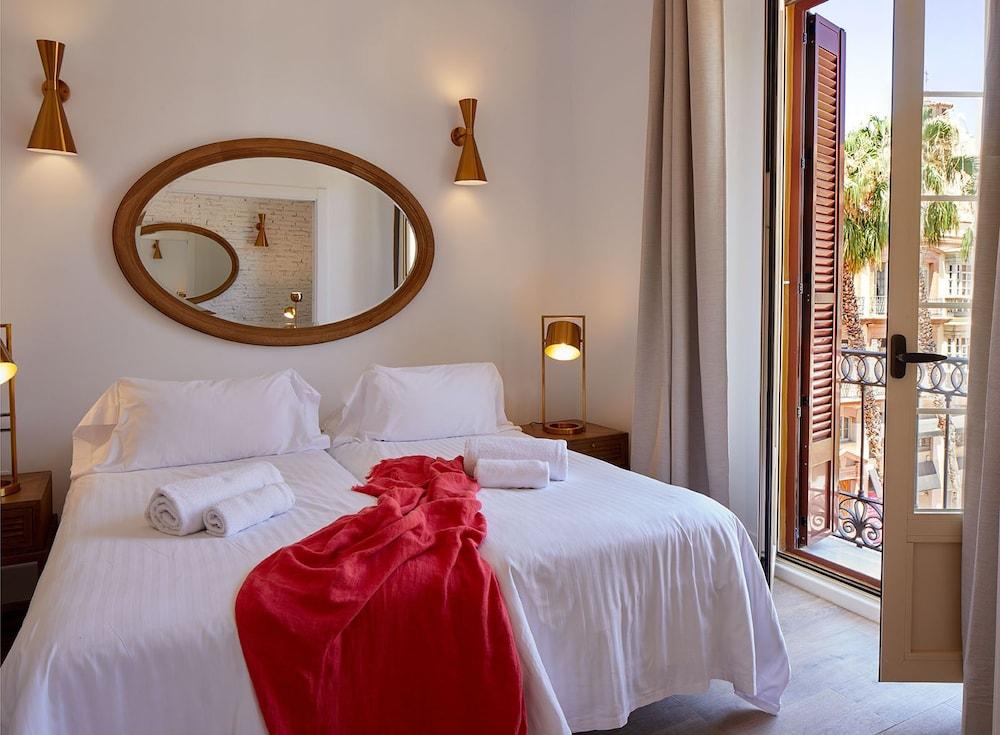 https://i.travelapi.com/hotels/16000000/15550000/15542000/15541902/d16ad4d6_z.jpg