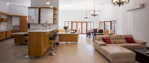 Mbombela Exclusive Guest House @ Daleen, Ehlanzeni