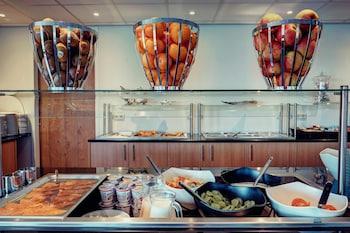 Best Western Plus Amedia Amsterdam Airport - Breakfast Area  - #0