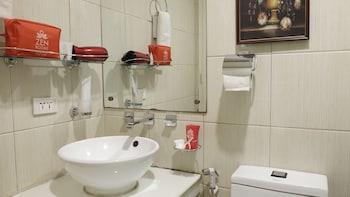 ZEN Rooms Malate Robinsons - Bathroom  - #0