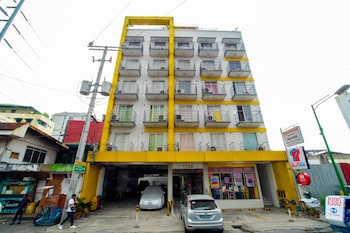 ZEN ROOMS BASIC DIAN ST. MAKATI Front of Property