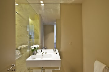 Lisbon Five Stars Apartments 8 Building - Bathroom  - #0