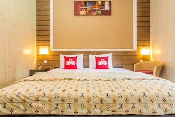 Hotel - ZEN Rooms Denays House