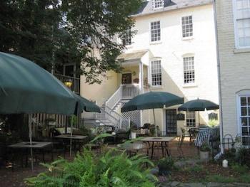 Hotel - The Richard Johnston Inn