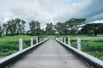 QUEST PLUS CONFERENCE CENTER, CLARK Golf