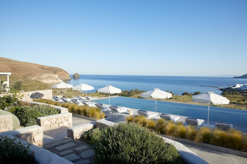 . Milos Breeze Boutique Hotel