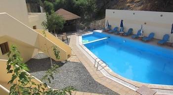 Sfinias Hotel - Featured Image  - #0