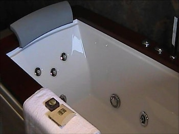 Eight Reedbuck Hotel - Jetted Tub  - #0