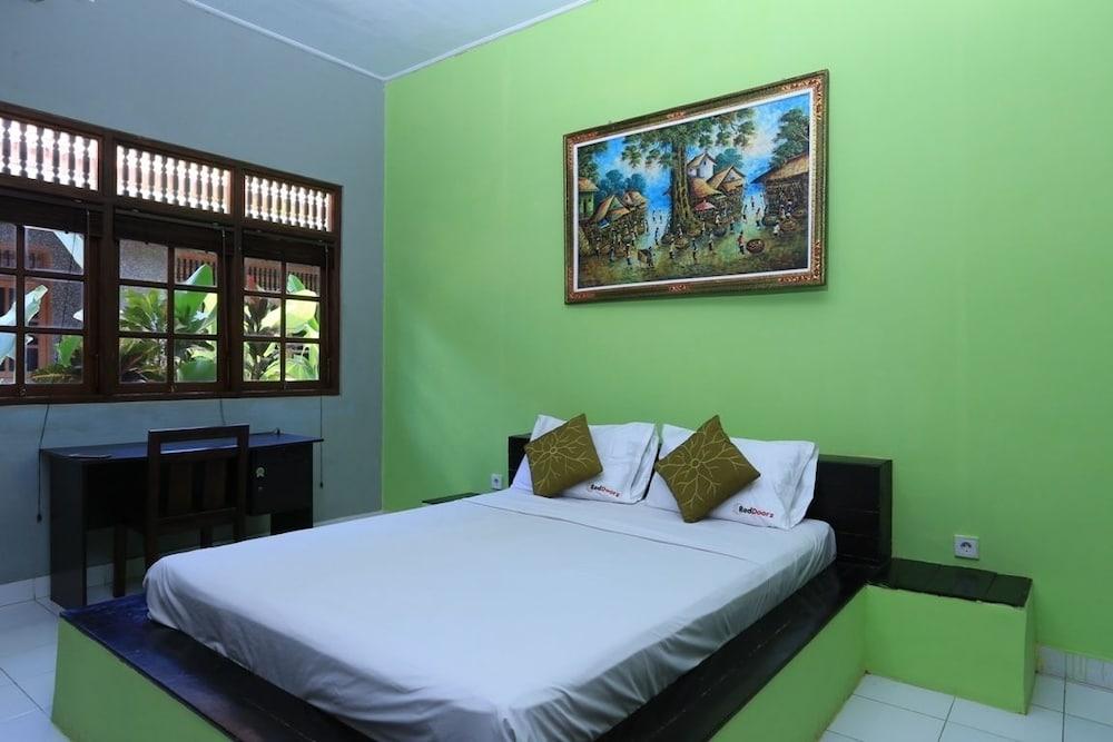 RedDoorz at Dewi Sita Seminyak