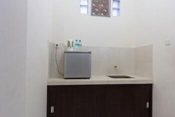 RedDoorz @ Kubu Anyar 3 - Guestroom  - #0
