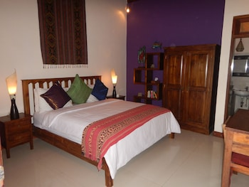 Superior Double Room, 1 King Bed, Garden View (Hot Water)